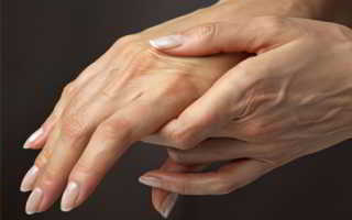 Почему руки сводит судорогой и как ее устранить